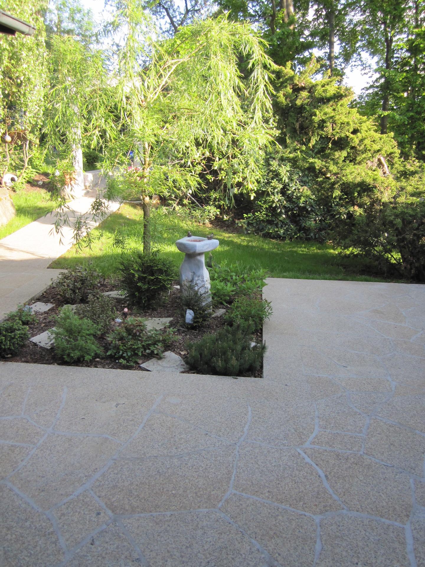 Natursteinterrasse - Individuelle Gartengestaltung