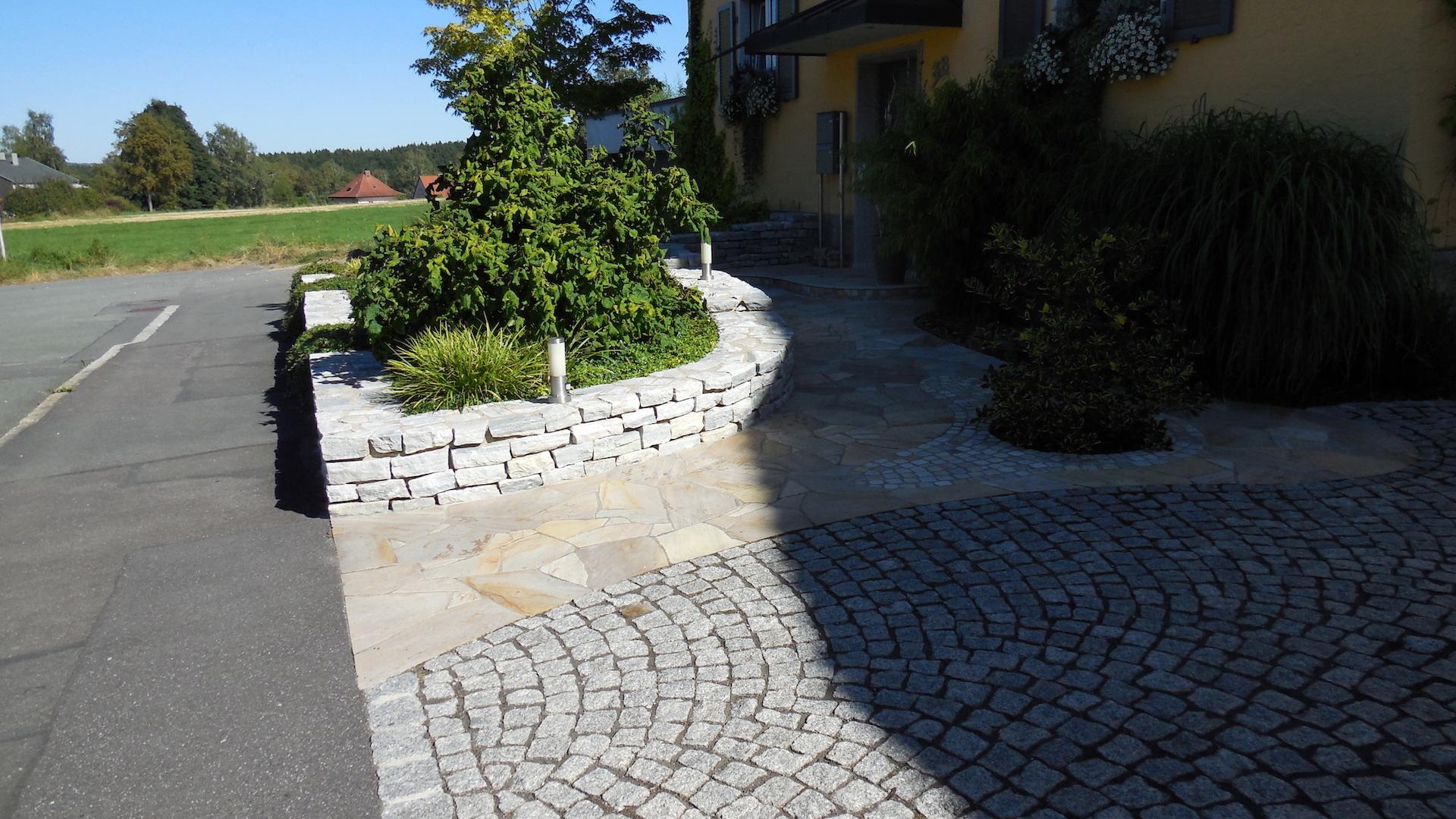 Eingangsbereich mit Polygonal Bodenbelag