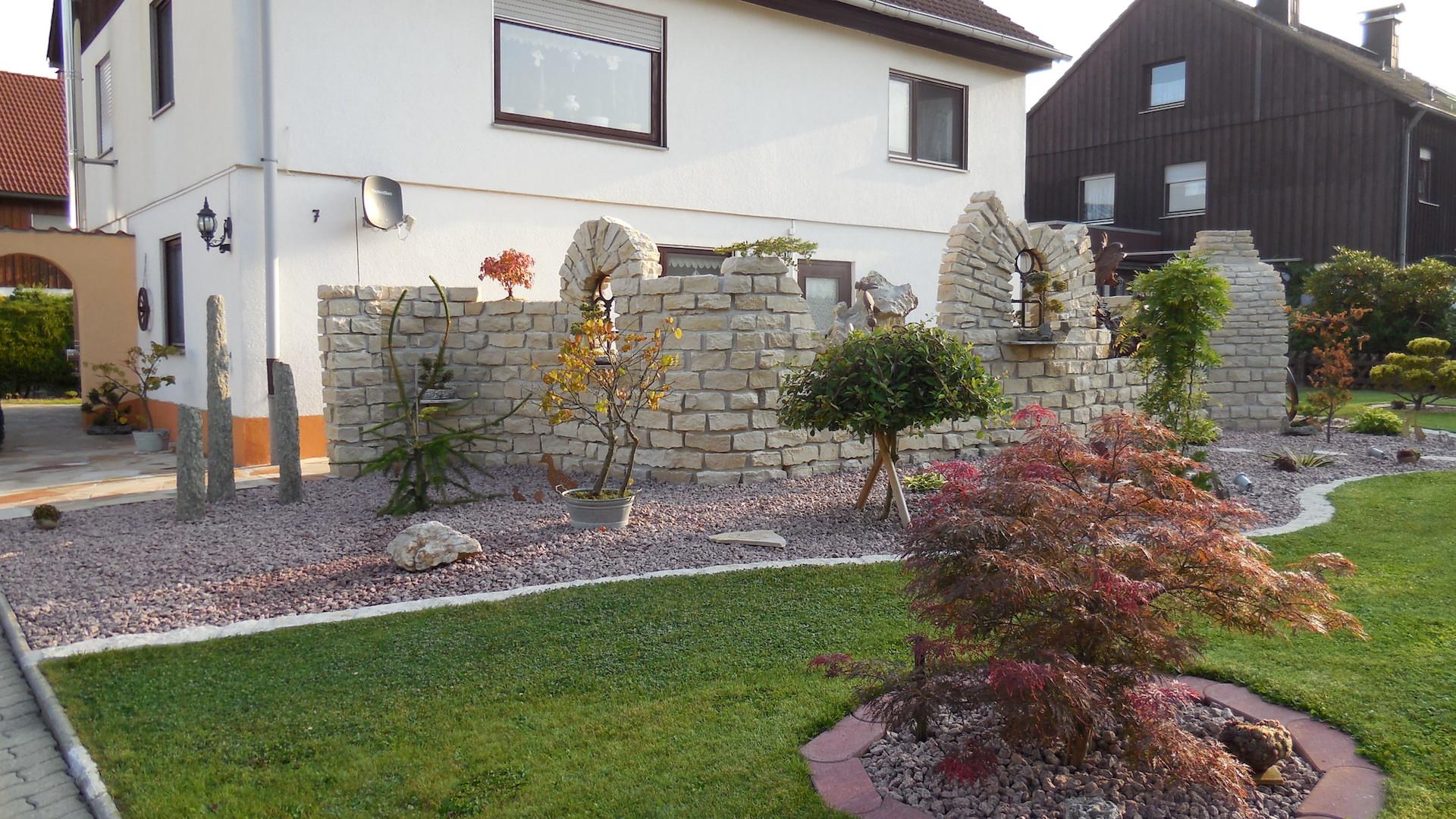 Burgruine aus Naturstein