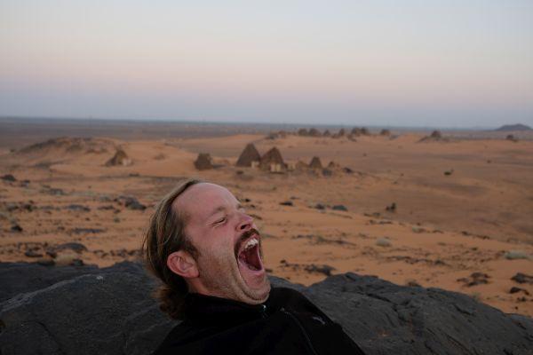 Sonnenaufgang an den Meroe Pyramiden...Ihr wisst bestimmt wer so früh aus den Federn wollte