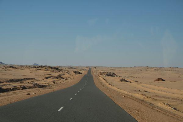 auf in den Sudan- das Straßenbild wird uns jetzt längere Zeit begegnen