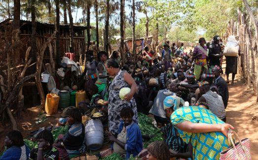 Markttag in KeyAfer - die Tribes der Banner, Hamer and Tsemay treffen sich