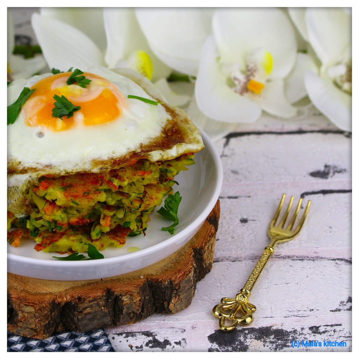Kartoffel-Zucchini-Rösti mit Ei