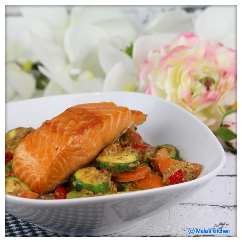 Pesto-Gemüse mit Lachsfilet