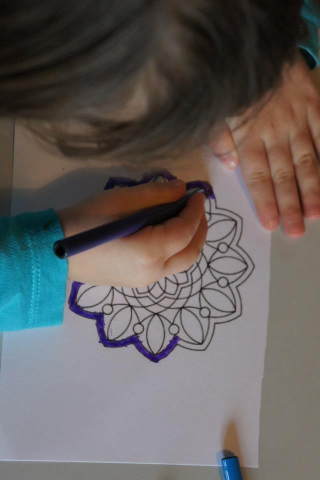 Atelier Mandala avec les enfants - Ecole Montessori - 2013