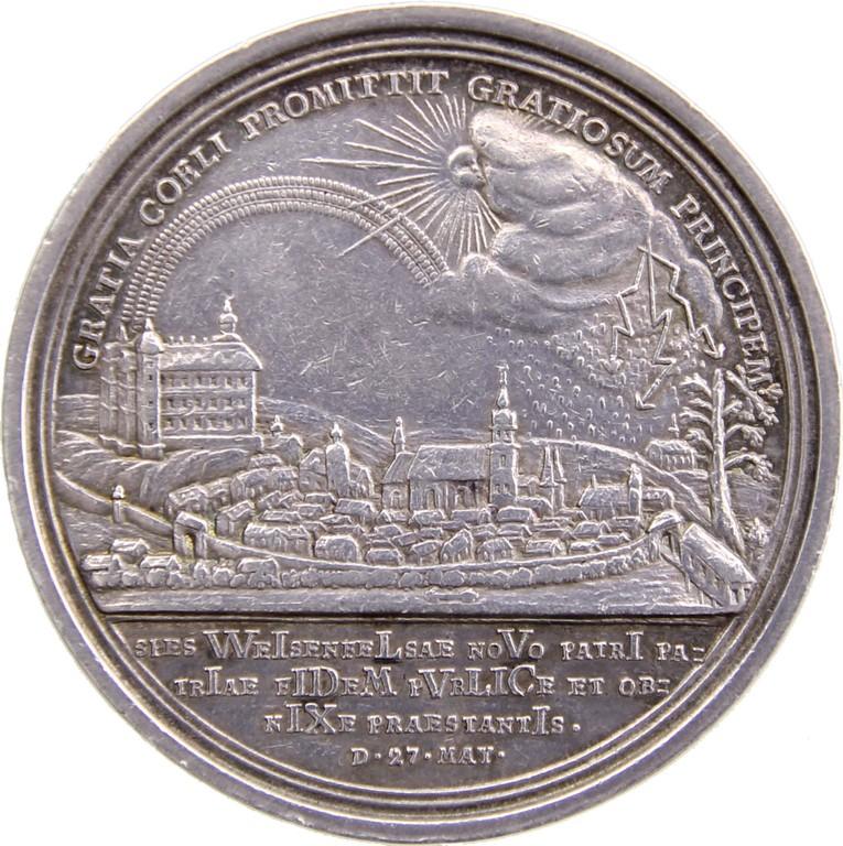 Huldigungsmedaille der Stadt Weissenfels auf Johann Adolf II., Ansicht v. Merseburg, Silber 1735, Erlös 620 €