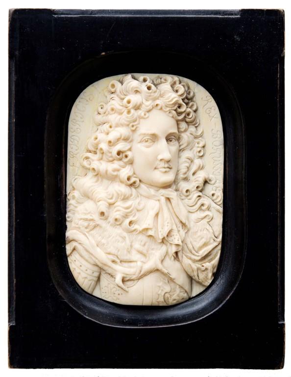 Portraitmedaillon Friedrich I. von Preussen, Elfenbein, Erlös 4900 €