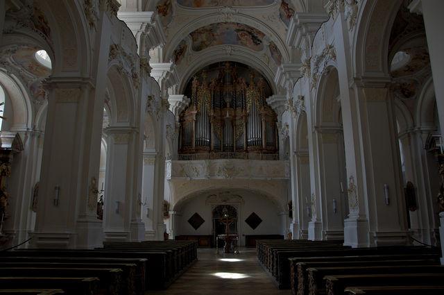 Ein Blick zurück zur Orgel