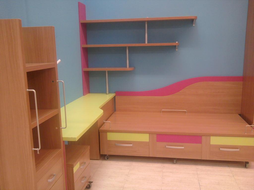 Espectacular juvenil con armario cama mesa de estudio estanteria y modulo hifi.