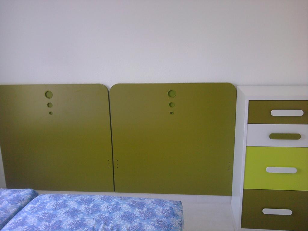 Cabezales en color oliva y xinfonier , varios colores .