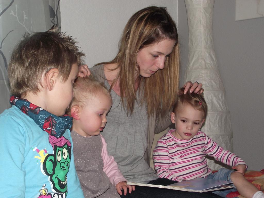 Wir lesen Emilias Lieblingbuch (plitsch platsch Badespass)