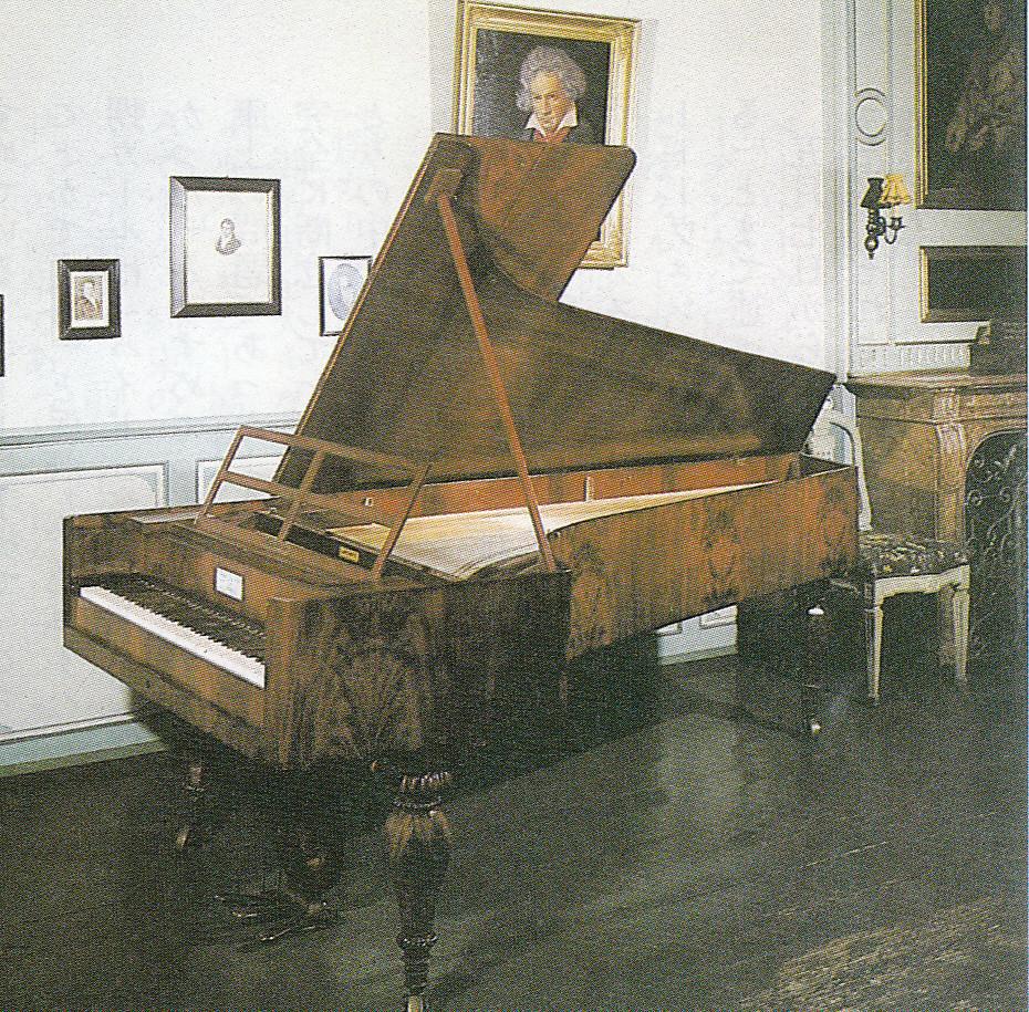 1825年グラーフ最後のピアノ