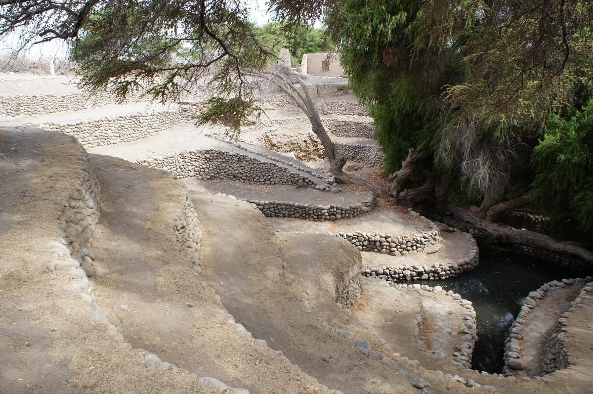 Premier arrêt aux aqeducs souterrains : les nazcas ont ocnstruit ce système pour capetr l'eau des Andes et cultiver en plein désert