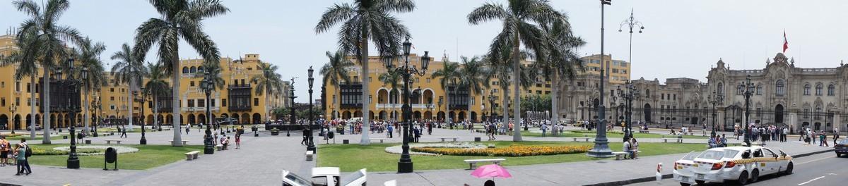 Vue générale de la Plaza de Armas ou Plaza Mayor