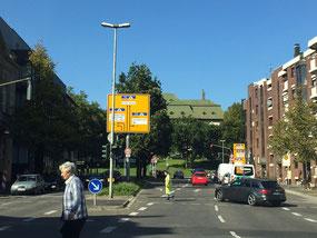 Schilderwald, Banner etc. verdecken unsere KFH