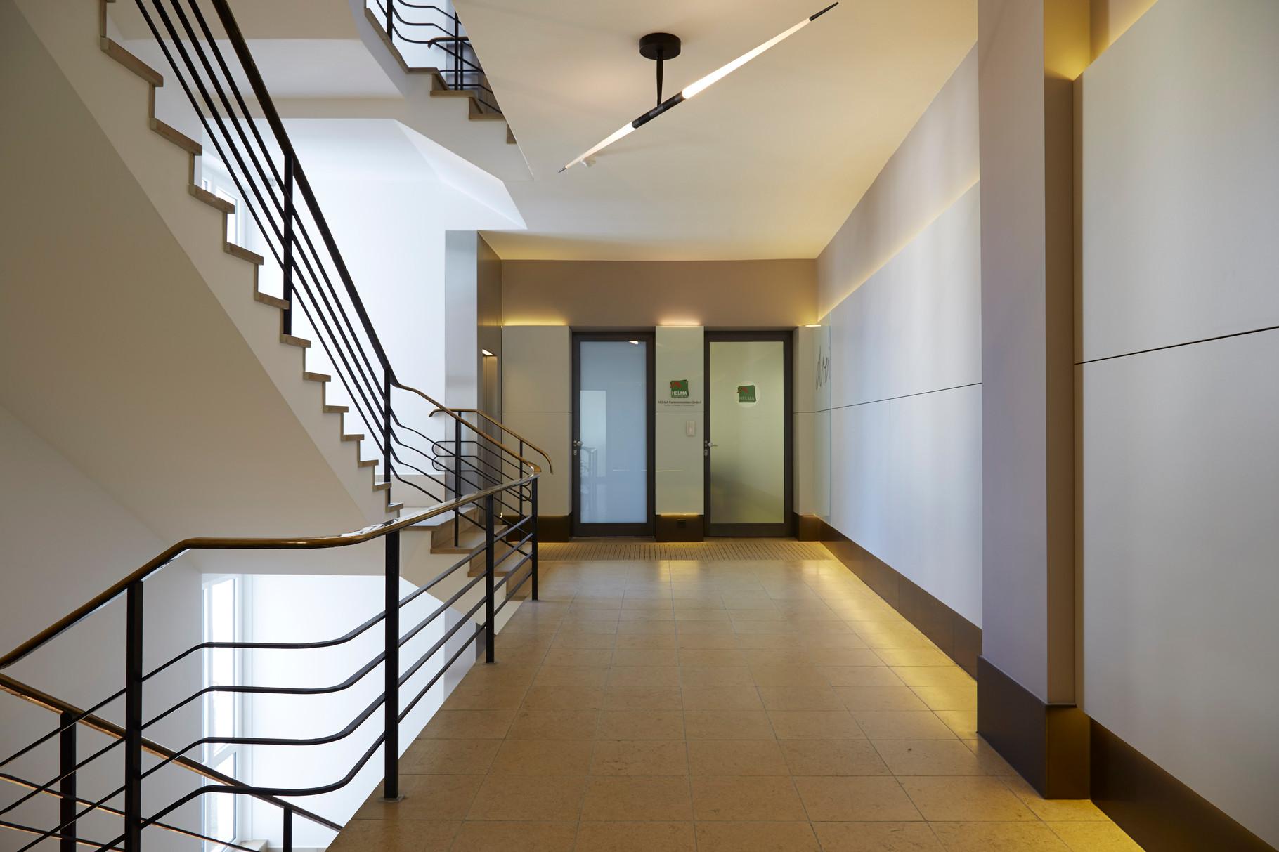 Gewerbe- und Verwaltungsbauten