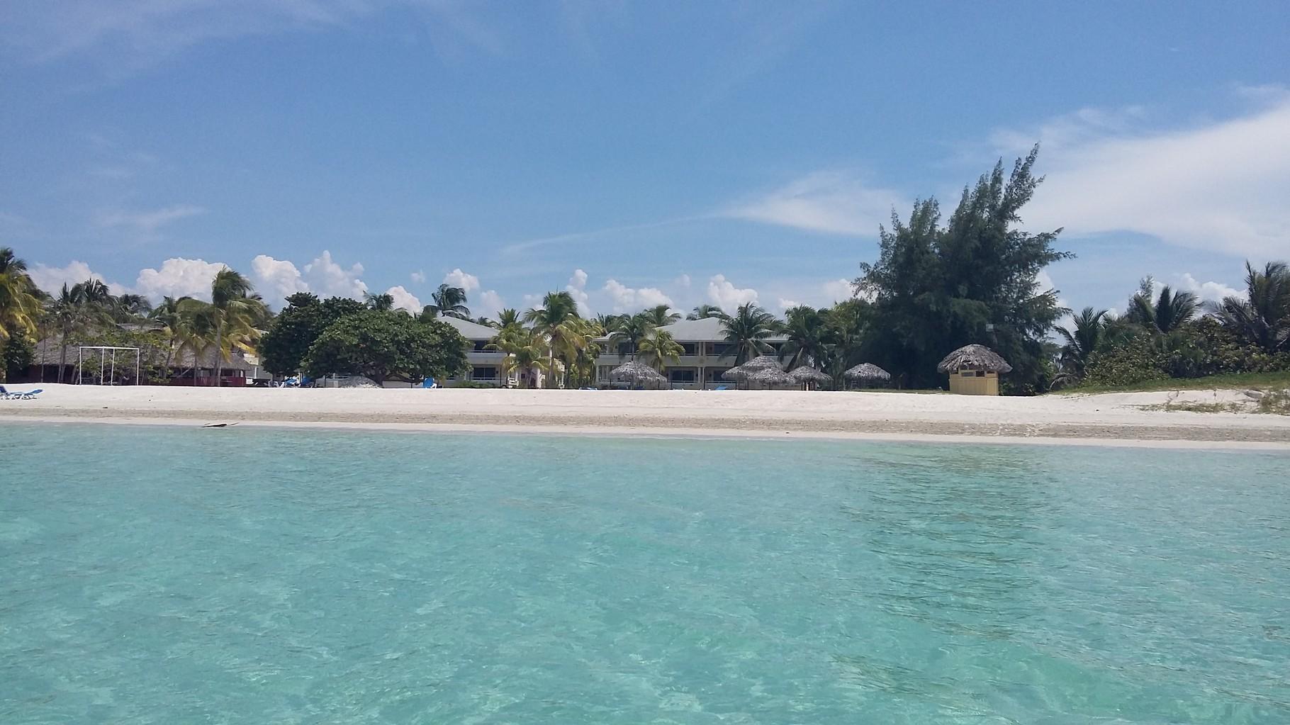 Las playas del Atlántico como Varadero son de aguas tranquilas y una brillante arena blanca.