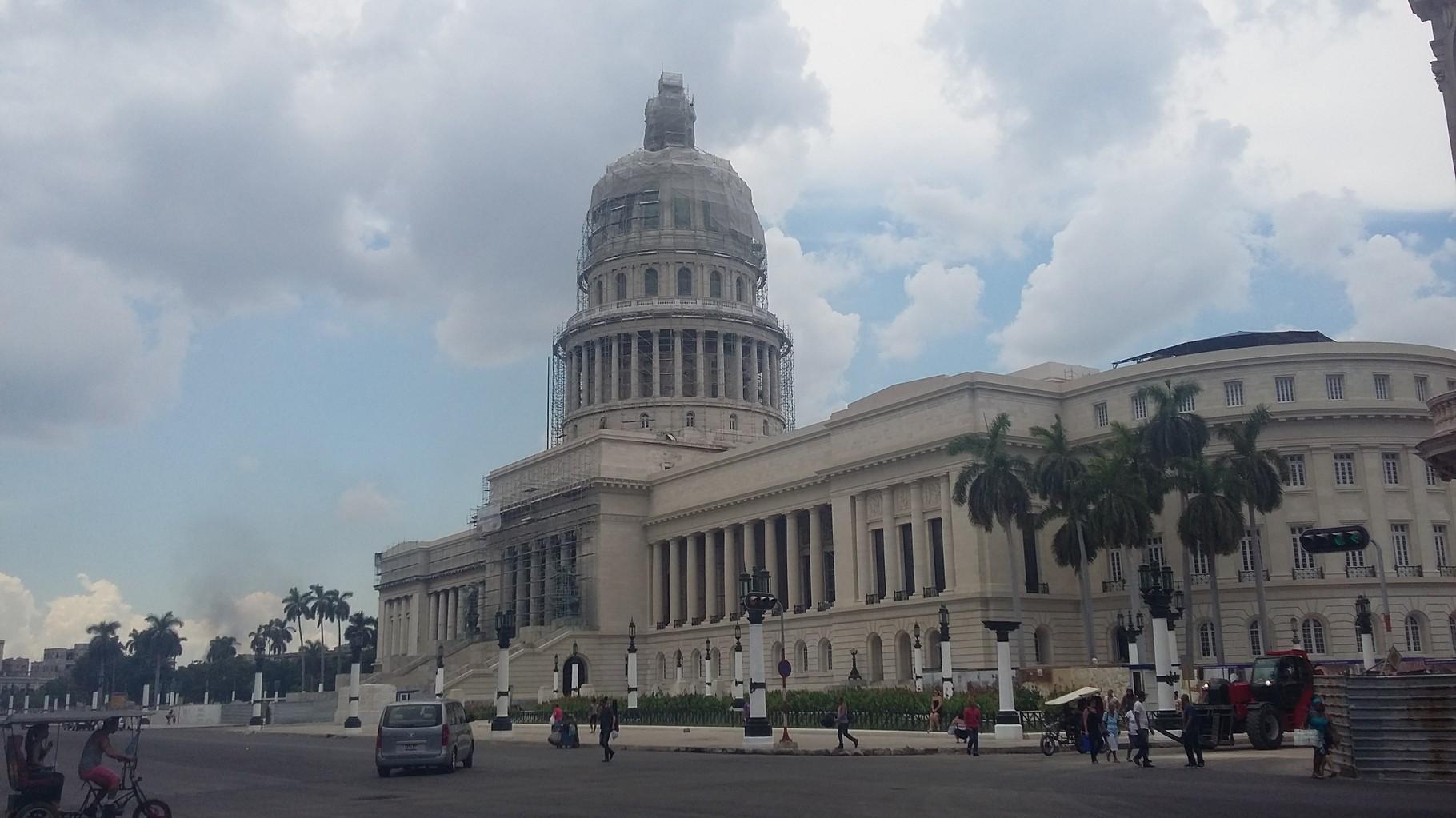 Capitolio de La Habana, en restauración, aquí sesionó el Congreso cubano hasta 1959.