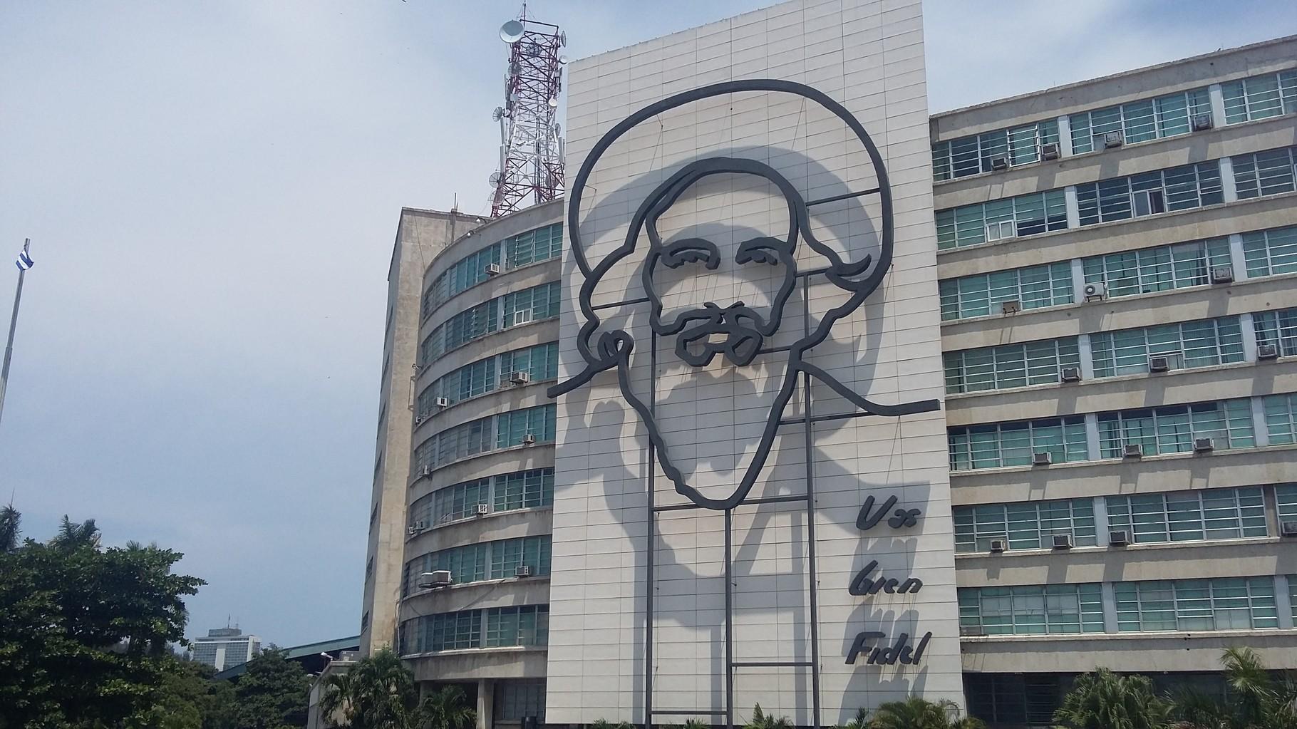 Imagen del revolucionario Camilo Cienfuegos, en la Plaza de la Revolución.