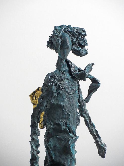 Engel-Skulptur mit Bronzepatina und Blattgold von der Künstlerin Claudai König