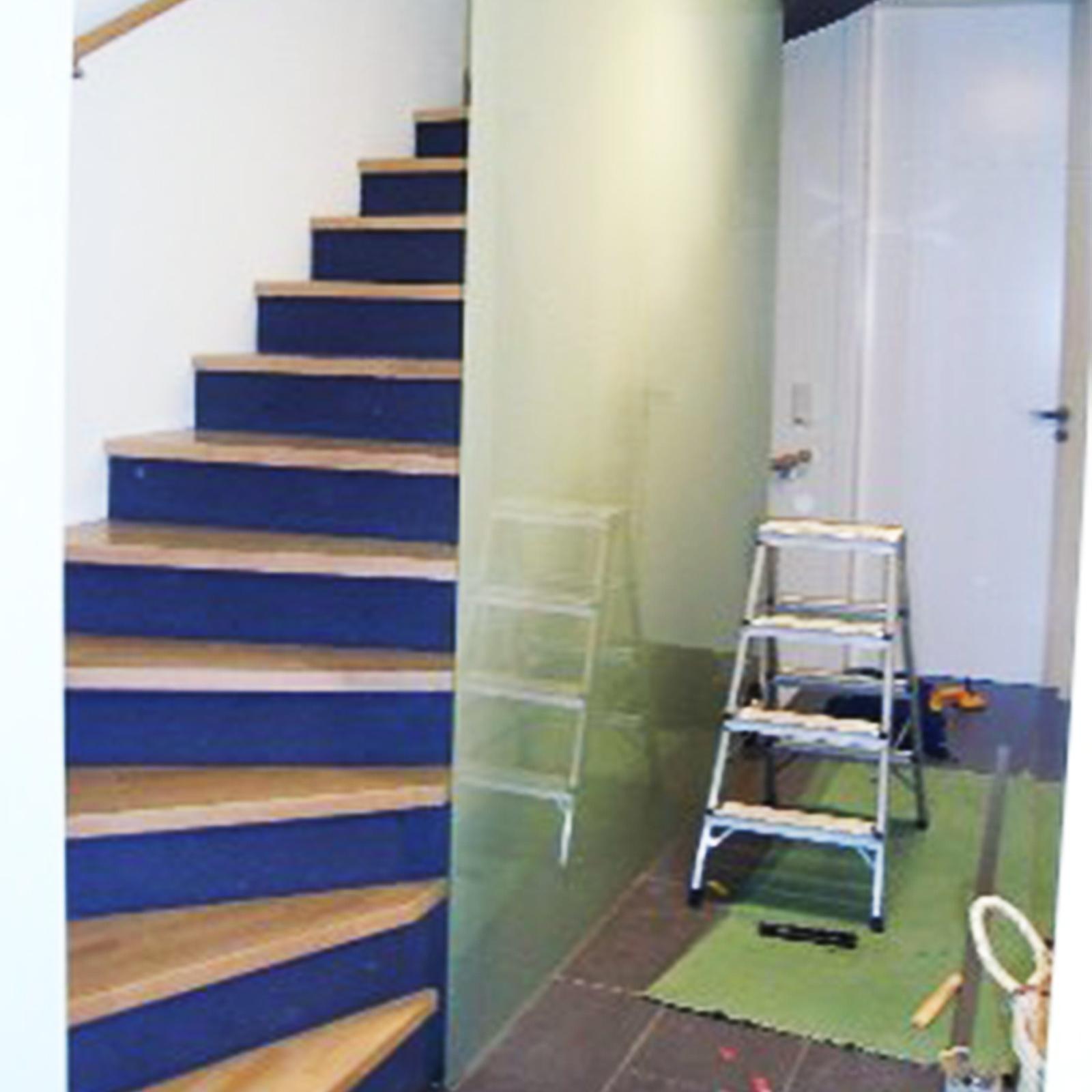 Absturzsichernde Verglasung an Treppe (durchgehend)