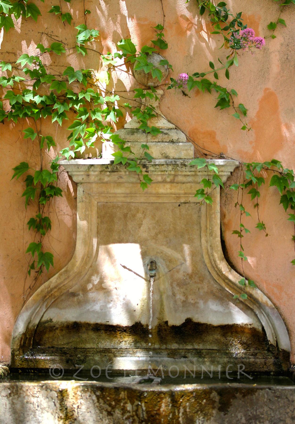 Fontaine de la Rue des Maréchaux à Cotignac