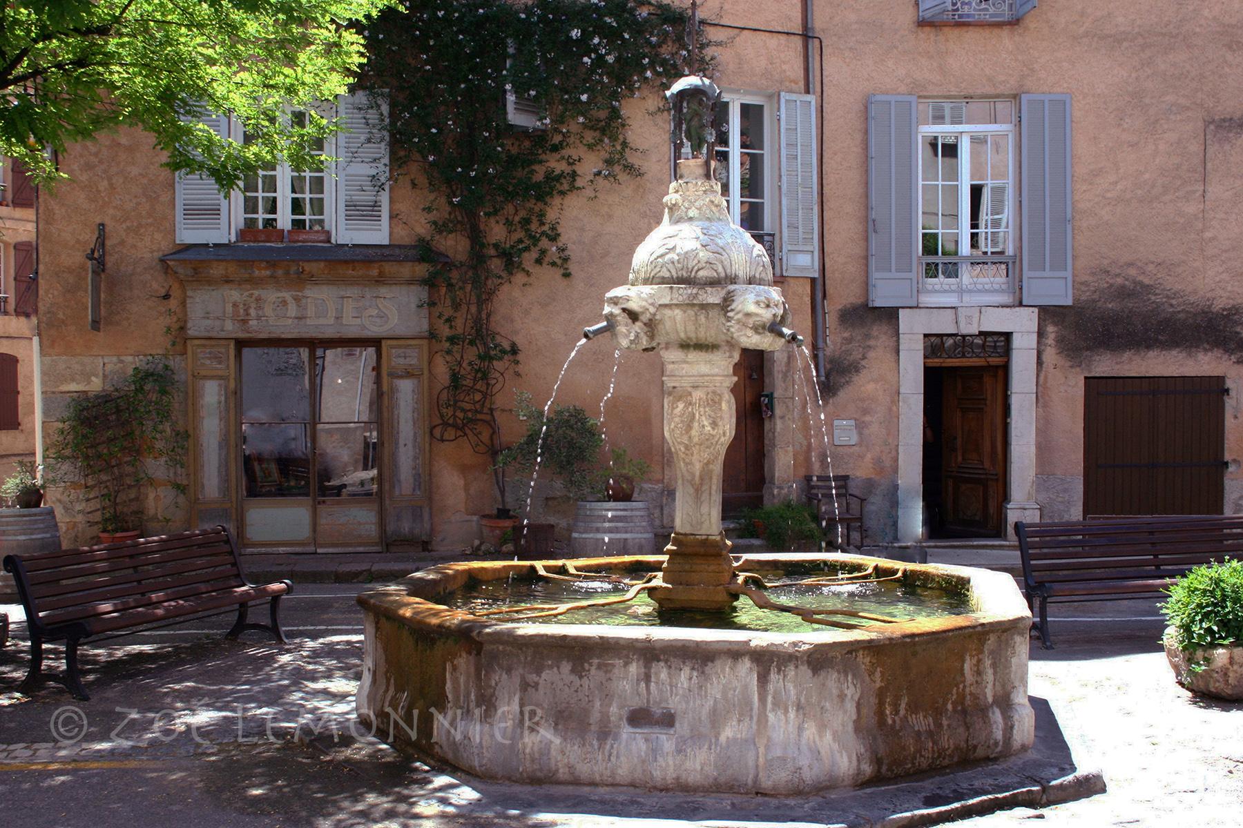Fontaine Place de la Mairie
