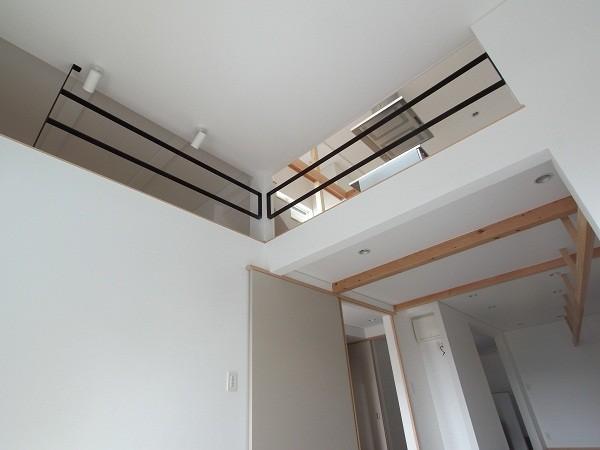 狭小地のスキップフロア 寝室②