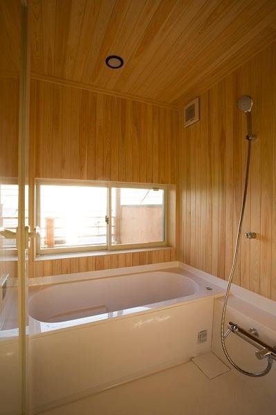 海を望むサーファーズハウス 浴室