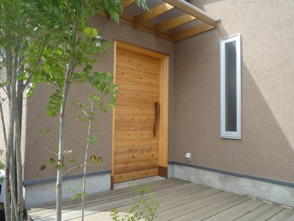 開放的な平屋住宅 外観②