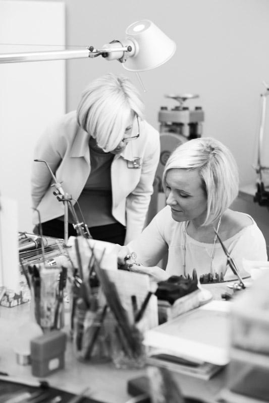 klassisches Goldschmiedehandwerk - gepaart mit innovativen Ideen und Schmuckdesign
