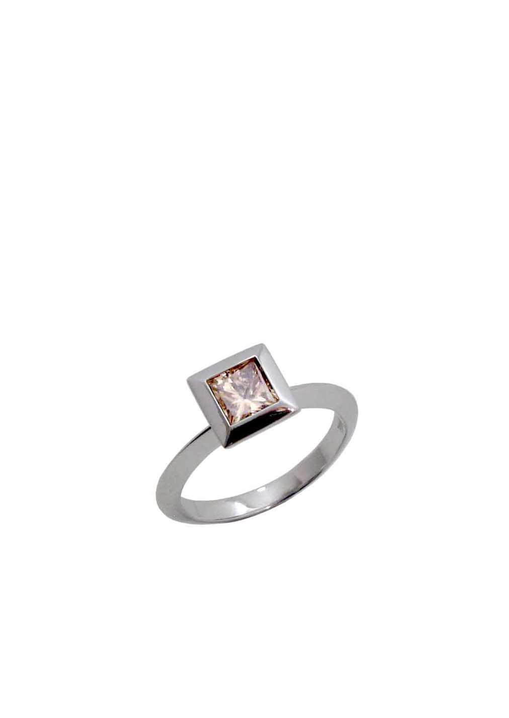 Diamantring mit champagner farbigem Diamant im Prinzessschliff, 1,04 carat, 4.250 Euro
