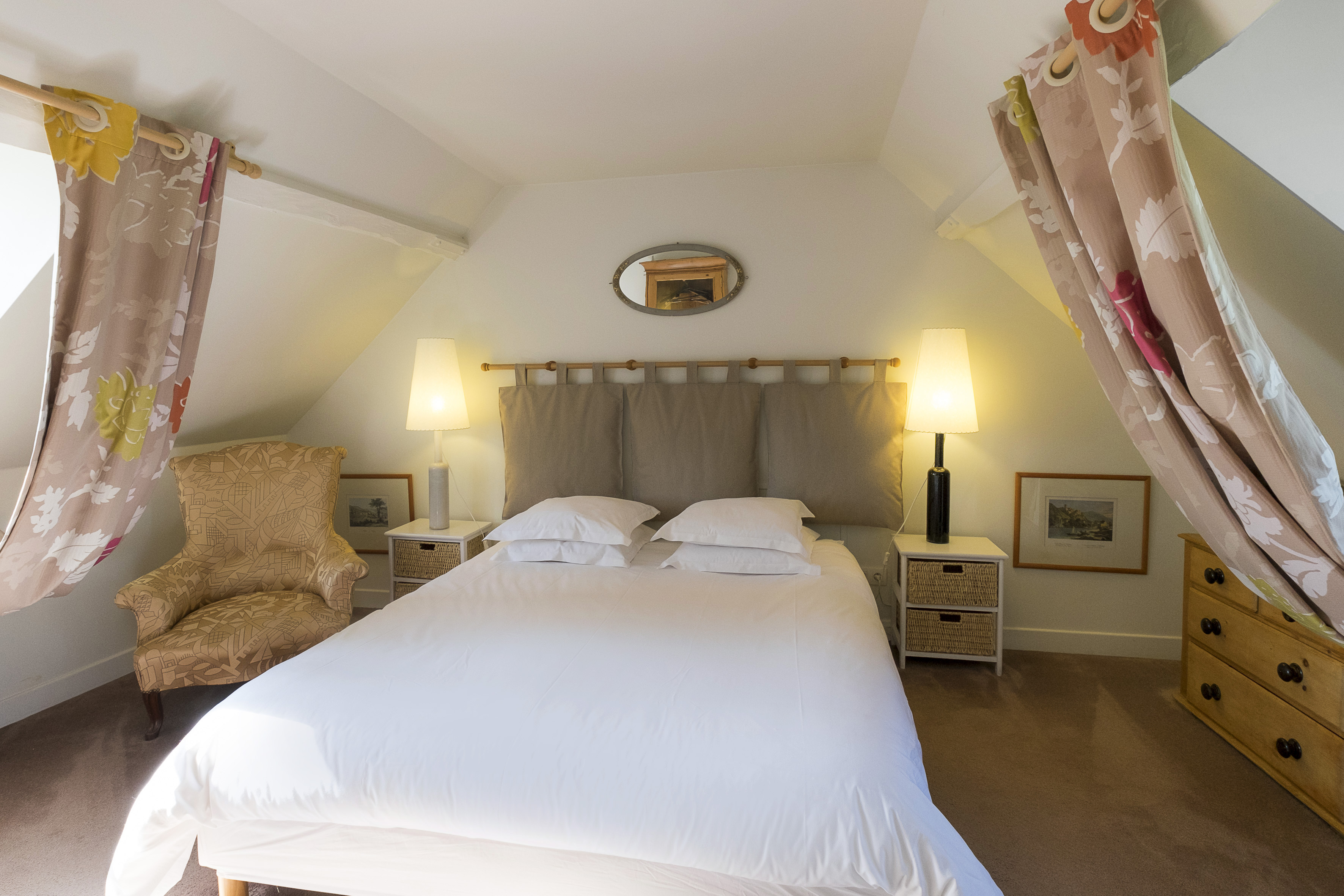 bed and breakfast in St Germer de Fly. Oise. Picardie. dieppe to paris cycle. b&b beauvais