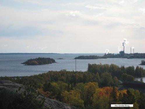 Sydost mot Storjungfrun och Vallvik