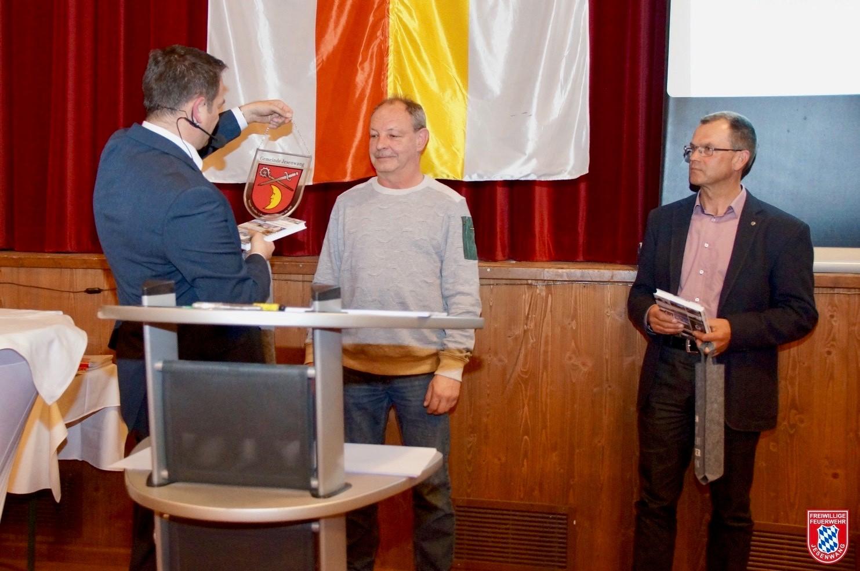 v.l.n.r.: Bürgermeister Erwin Fraunhofer, Werner Peschke und Josef Hörhager
