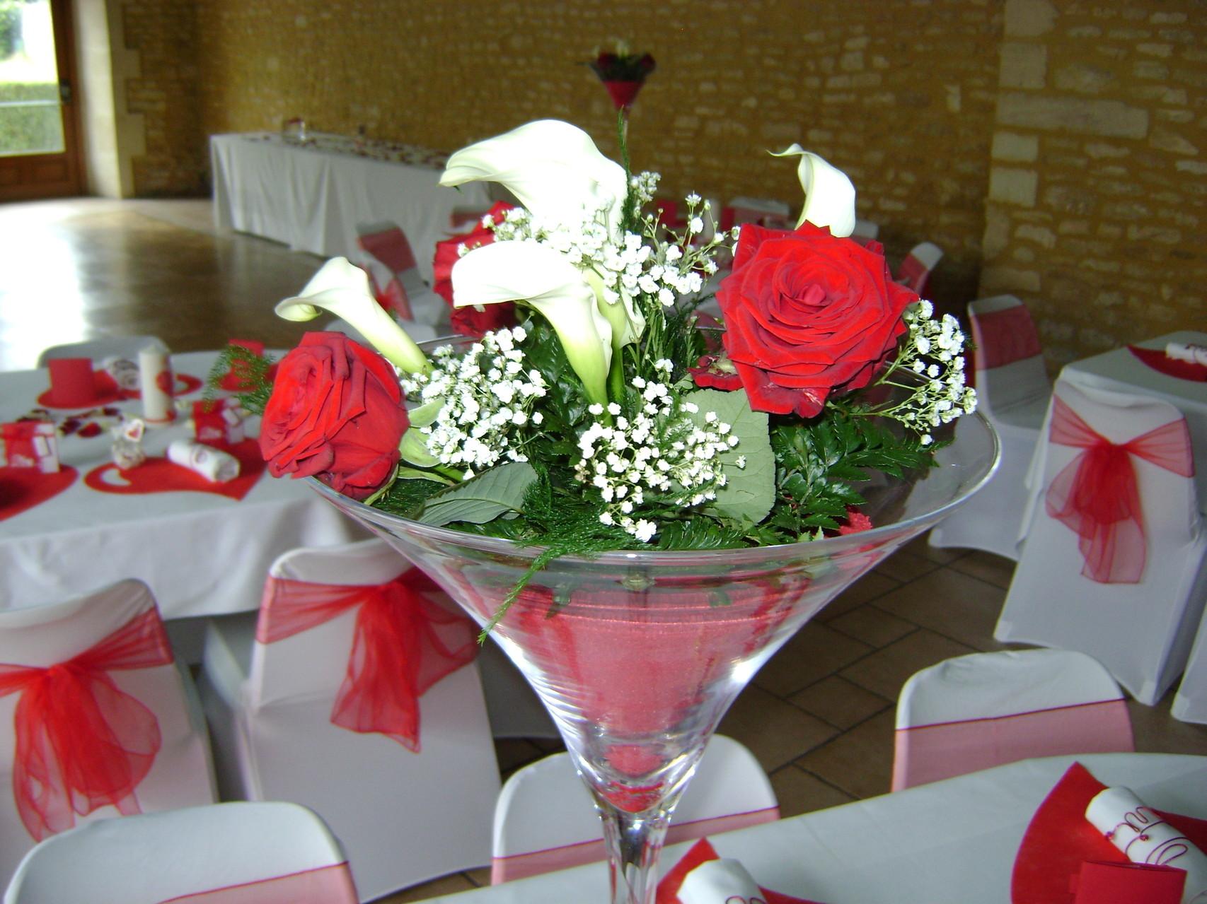MARIAGE DANET TRAITEUR  - Décor de tables avec vase martini