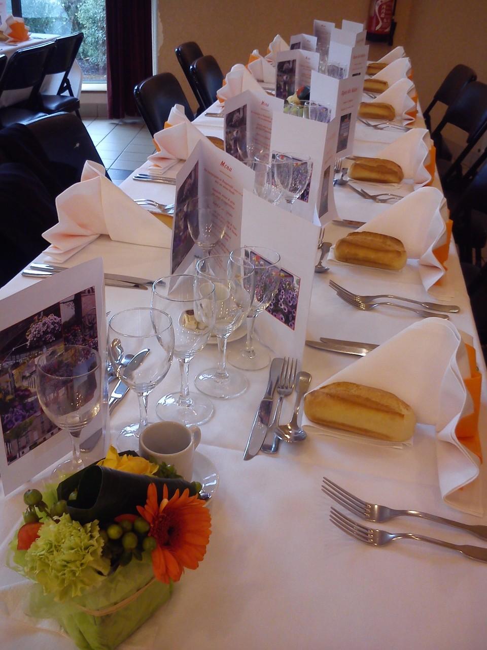 DANET TRAITEUR - Décor de table repas des ainés