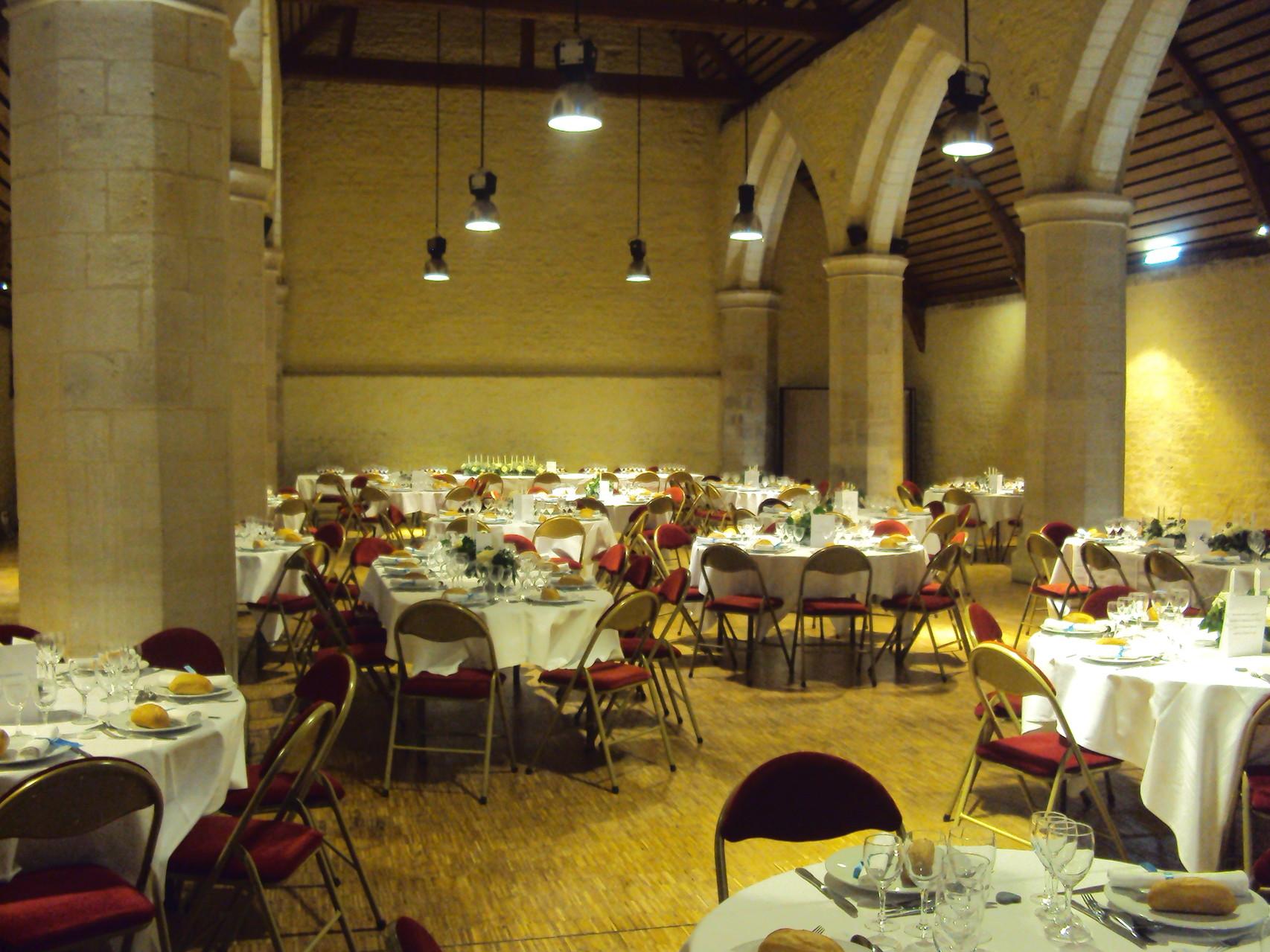 MARIAGE DANET TRAITEUR- Décor de tables et présentation de salle