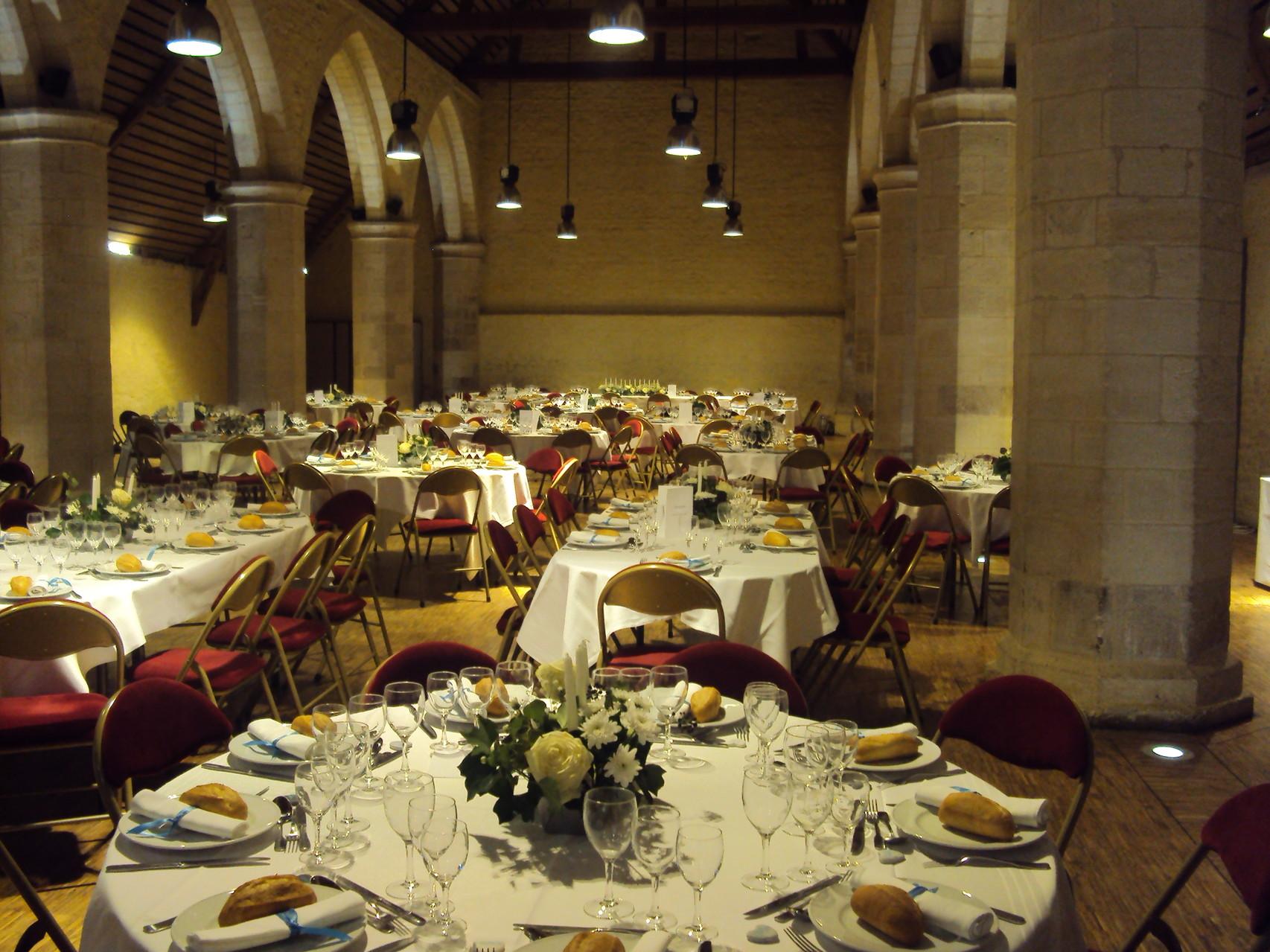 MARIAGE DANET TRAITEUR - Décor de tables - Salle de la Baronnie