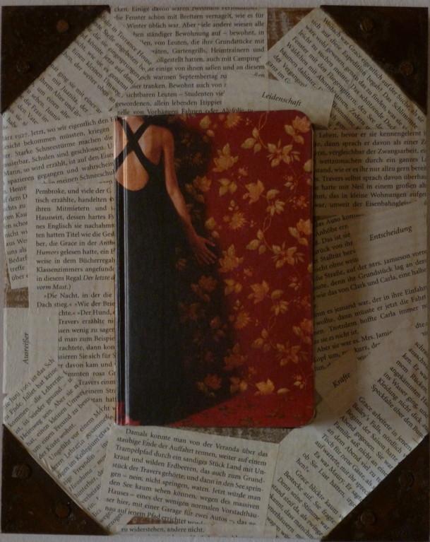 Holzrahmen mit Buch    Masse:18x24cm