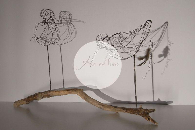 """""""Courlis cendré duo"""" en 3D de Arc en Lune sur branche bois flotté H.40xL.55xl.22cm branche 65cm"""