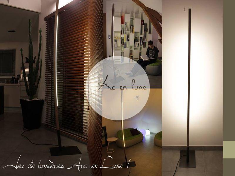 """Lampadaire """"Arc en Lune"""" en bois de Arc en Lune, frêne brut cintré à la main, socle acier, 1X12w led en mono-émission, cordon alimentation tissu, H.215xL.40xl.25cm"""