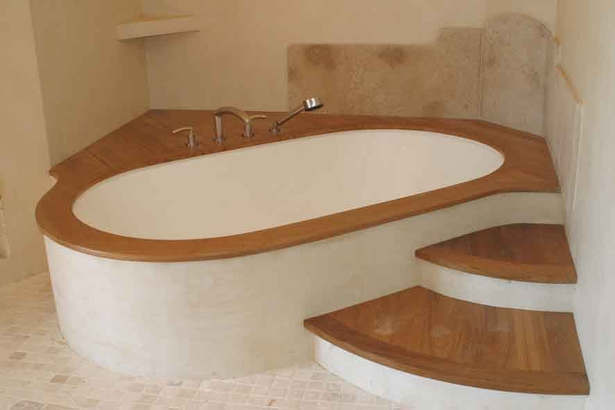 Salle de Bain teck sur mesures la baignoire