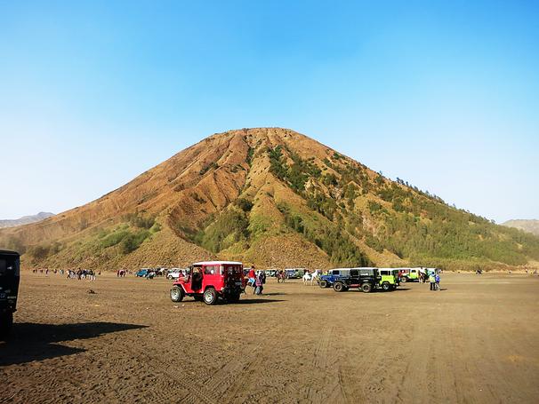 Vulkanlandschaft im Bromo-Tengger-Semeru Nationalpark