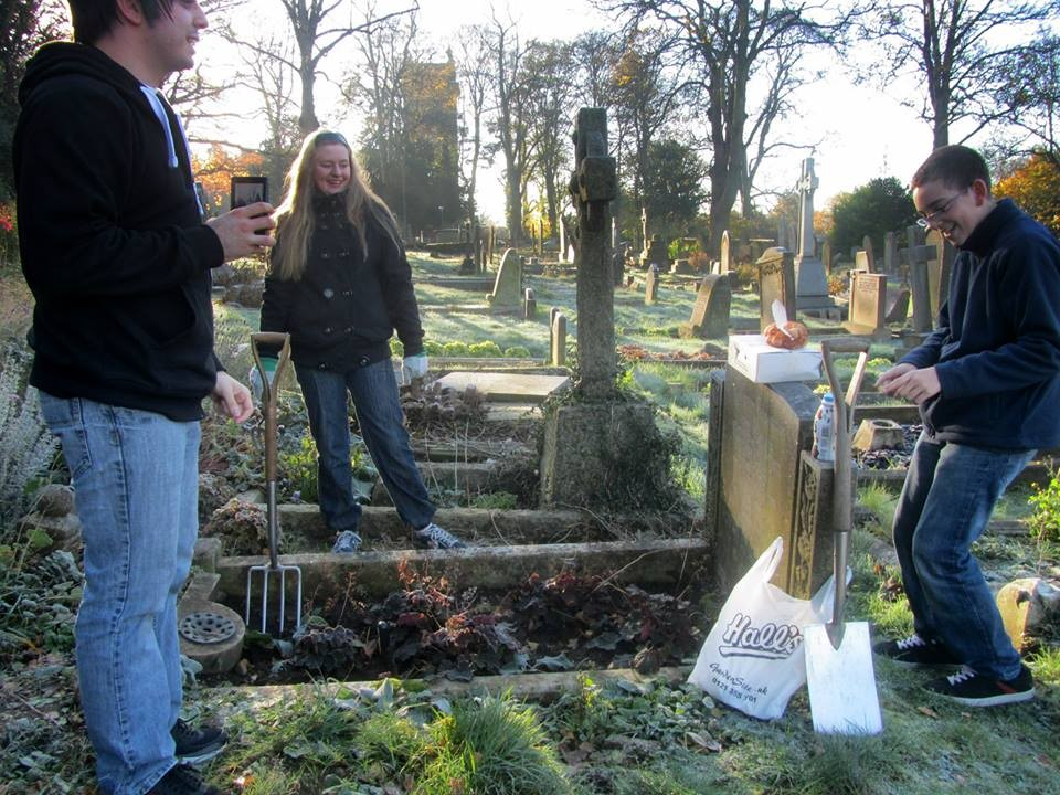 Planting bulbs of the grave of John & Lucy Williams on the anniversary of the first ring of the new bells.