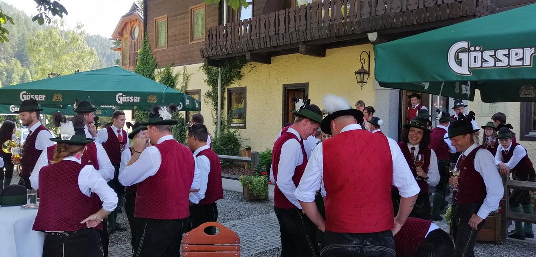 Empfang des Musikvereins St. Peter am Kammersberg beim Landgasthof zum Scheiber