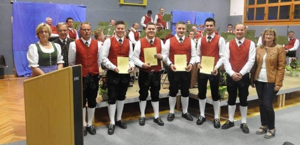 Ehrungen für 10 Jahre im Dienste der Trachtenkapelle Sirnitz: Gerald Konrad, Heinrich Konrad, Marco Obersteiner, Jürgen Flath