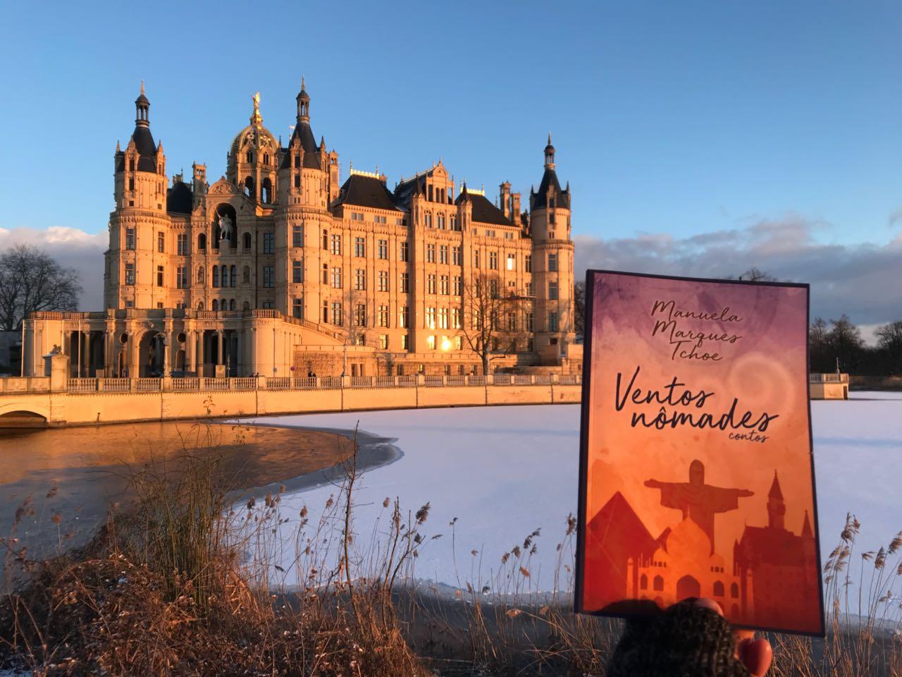 Castelo de Schwerin, capital da província alemã de Mecklenburg-Vorpommern. Foto by: Cris Schlup.