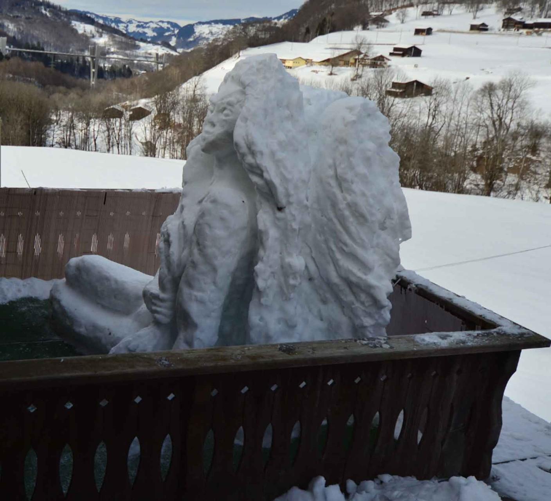 Schnee-Engel auf Terrasse / Snow-Angel 2013 on the terrace