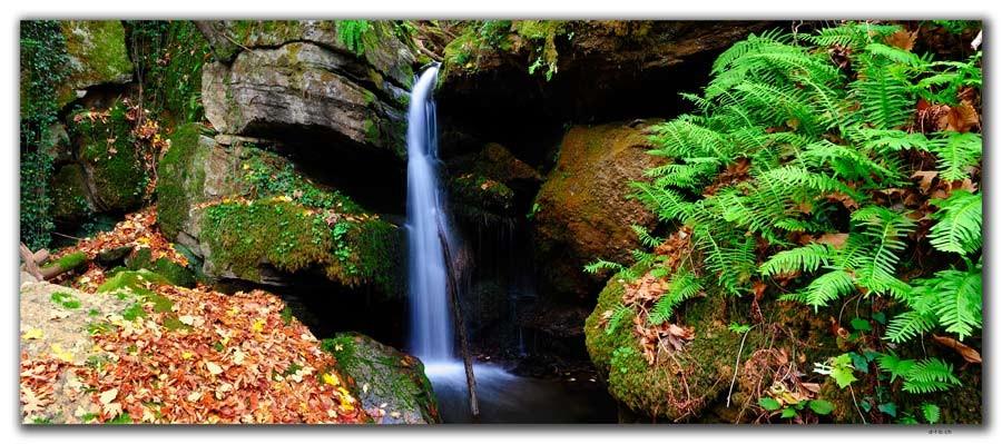 GR0185.Wasserfall bei Karitsa